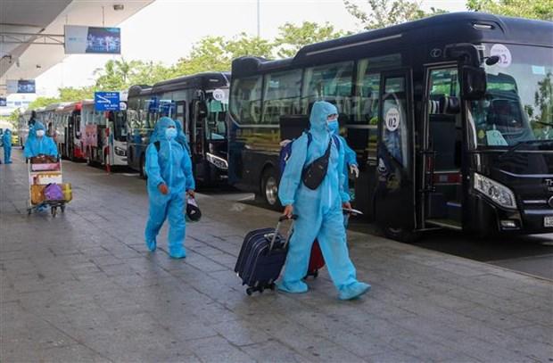 Hanoi met en quarantaine toutes les arrivees des localites impactees par le COVID-19 hinh anh 2