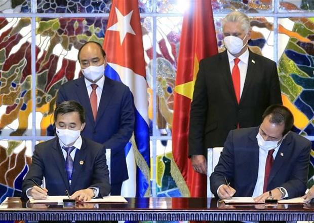 Le president Nguyen Xuan Phuc termine sa visite officielle a Cuba hinh anh 2