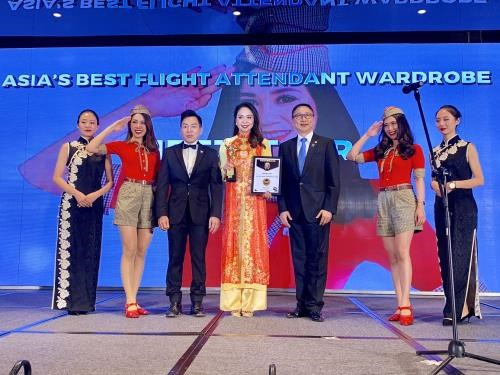 Vietjet Air : Meilleur uniforme d'hotesse de l'air de l'Asie hinh anh 1