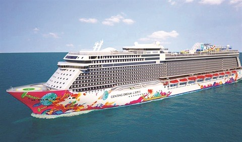 Environ 3.500 passagers du navire World Dream a Da Nang et Ha Long hinh anh 1