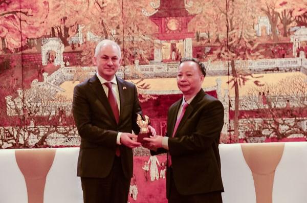 Hanoi et les localites polonaises continueront a promouvoir la cooperation dans de nombreux domaines hinh anh 1