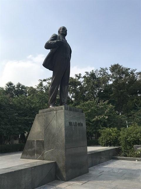 La statue de Lenine a Hanoi, l'une des dernieres d'Asie hinh anh 1