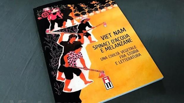 Une Italienne presente son livre sur la gastronomie vietnamienne hinh anh 1