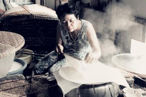 La galette de riz exposee a la rosee de Trang Bang hinh anh 1