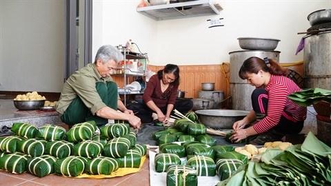 Au village de banh chung a Hanoi hinh anh 1