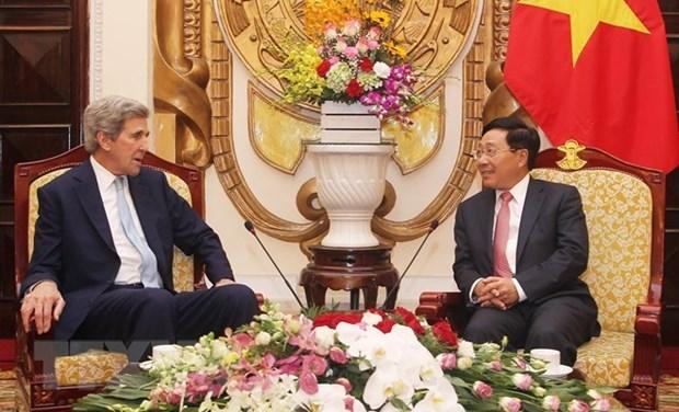 De hauts responsables accueillent l'ancienne secretaire d'Etat americaine a Hanoi hinh anh 1