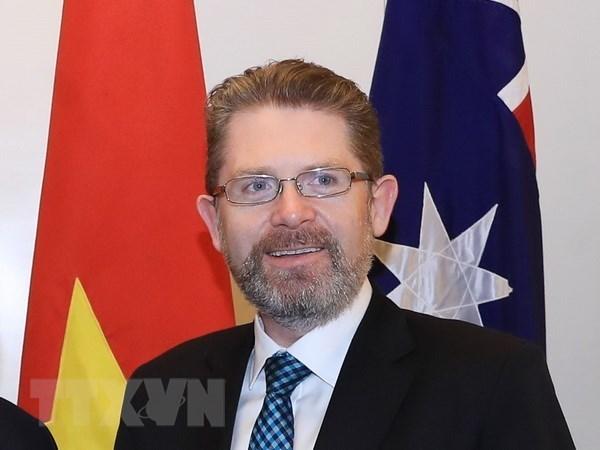 Le president du Senat australien entame sa visite officielle au Vietnam hinh anh 1
