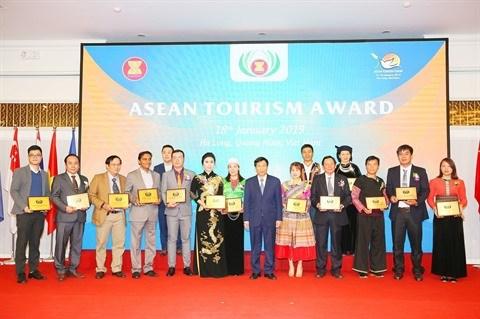 Net ATF 2019: le Vietnam remporte 15 prix du tourisme de l'ASEAN hinh anh 1