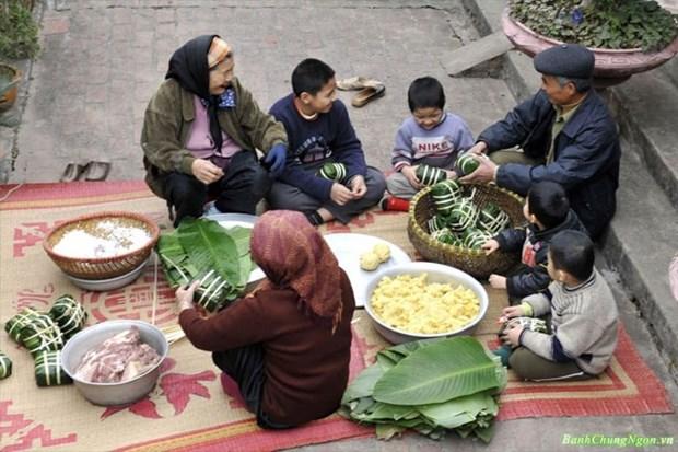 Le banh chung - une belle maniere de maintenir la coutume traditionnelle hinh anh 1