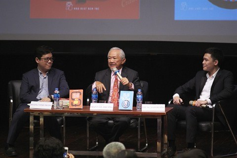 """Table ronde """"Les Vietnamiens dans le monde du travail international"""" a Hanoi hinh anh 1"""