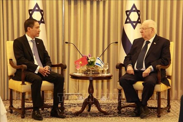 L'ambassadeur vietnamien presente ses lettres de creance au president d'Israel hinh anh 1