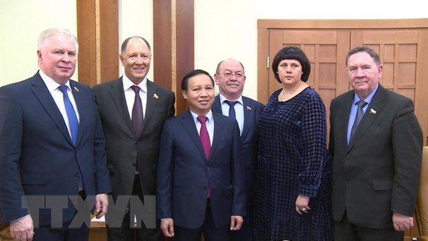 Le Vietnam renforce la cooperation avec les groupes de deputes d'amitie du Parlement russe hinh anh 1