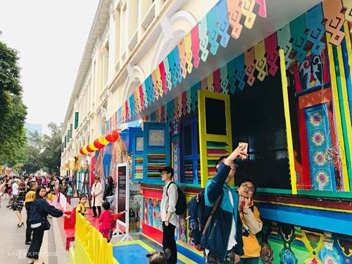 Le festival de Singapour 2019 s'ouvre au centre-ville de Hanoi hinh anh 1