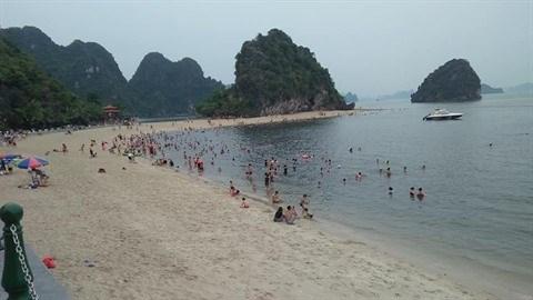 Quang Ninh: Cam Pha donne la priorite au secteur touristique hinh anh 1