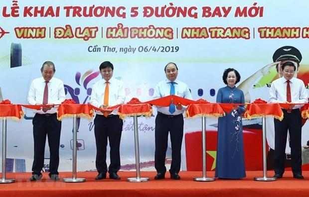 Le Premier ministre assiste a l'inauguration de 5 lignes aeriennes a Can Tho hinh anh 1