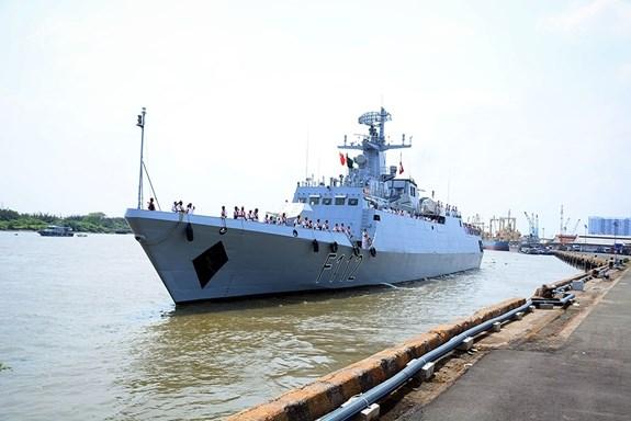 Un navire de la marine bangladaise en visite a Ho Chi Minh-Ville hinh anh 1