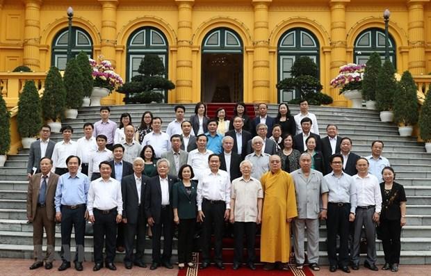 Nguyen Phu Trong rencontre des representants du Front de la Patrie hinh anh 1