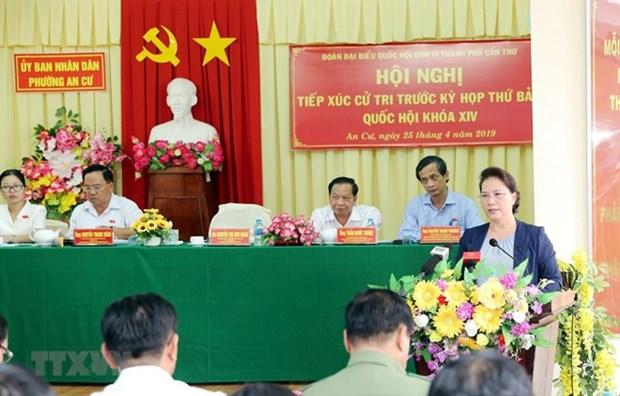 La presidente de l'AN rencontre des electeurs a Can Tho hinh anh 1