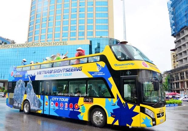 Quang Ninh lance des bus a imperiale pour le tourisme hinh anh 1