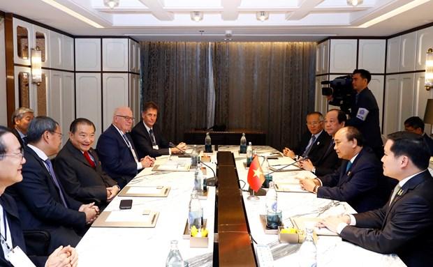 Le PM Nguyen Xuan Phuc recoit les responsables de certaines grandes entreprises thailandaises hinh anh 1