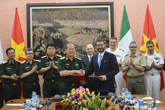 Troisieme dialogue sur la politique de defense Vietnam-Italie hinh anh 1