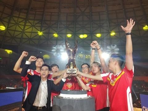 AWC 2019: Premier titre de champion du monde de sport electronique pour le Vietnam hinh anh 1