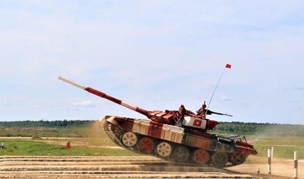 Une delegation militaire vietnamienne de haut rang en visite en Russie hinh anh 1
