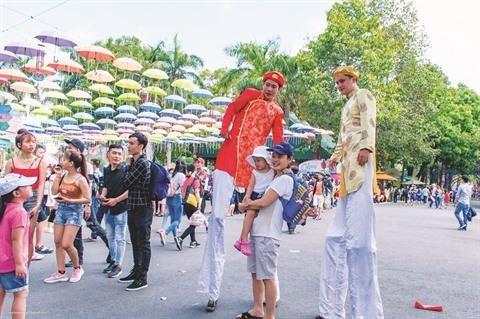 HCM-Ville: Une palette de programmes promotionnels au parc Dam Sen hinh anh 1