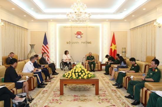 Le Vietnam et les Etats-Unis promeuvent leur cooperation dans la defense hinh anh 1