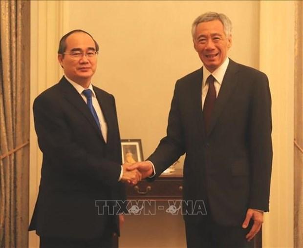 Le Premier ministre singapourien espere renforcer la cooperation avec HCM-Ville hinh anh 1