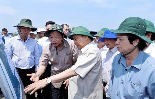 Le PM dirige la prevention des glissements de terrain dans le delta du Mekong hinh anh 1