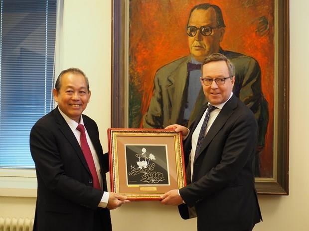 Le Vietnam et la Finlande discutent de mesures pour developper leurs relations hinh anh 1