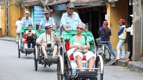En neuf mois, le Vietnam a accueilli pres de 13 millions de touristes etrangers hinh anh 1