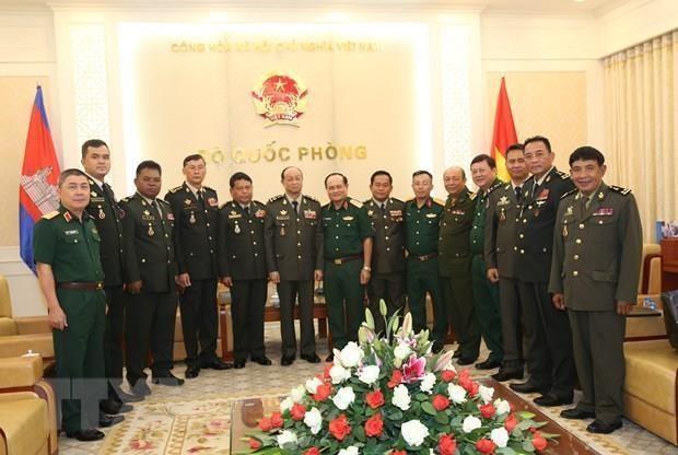 Le Vietnam et le Cambodge cherchent a renforcer leurs liens en matiere de defense hinh anh 1