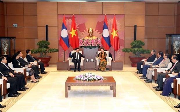 La presidente de l'AN Nguyen Thi Kim Ngan rencontre le Premier ministre laotien Thongloun Sisoulith hinh anh 1