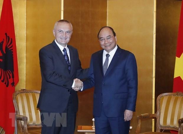 Le PM rencontre des dirigeants de la R. tcheque, de la Bulgarie et de l'Albanie hinh anh 3