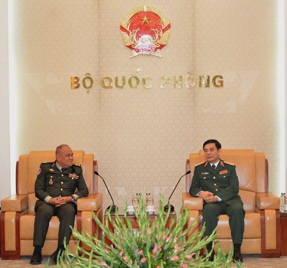 Armee : Le Vietnam et le Cambodge cooperent dans la formation des ressources humaines hinh anh 1