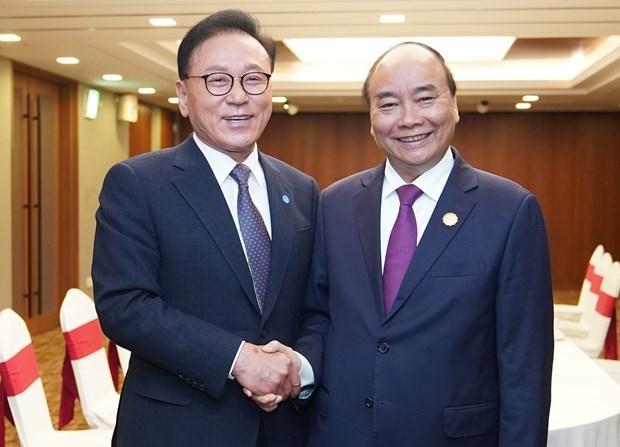 Le Premier ministre recoit le consul general d'honneur du Vietnam en R. de Coree  hinh anh 1