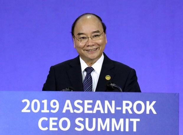 Le PM Nguyen Xuan Phuc participe au sommet des PDG d'ASEAN-R. de Coree hinh anh 1
