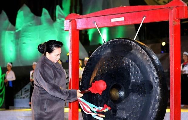 Ouverture de la Semaine culturelle et touristique de la province de Hoa Binh hinh anh 1
