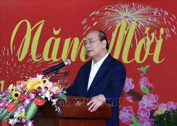 Le PM Nguyen Xuan Phuc rencontre d'anciens responsables de la region centrale hinh anh 1