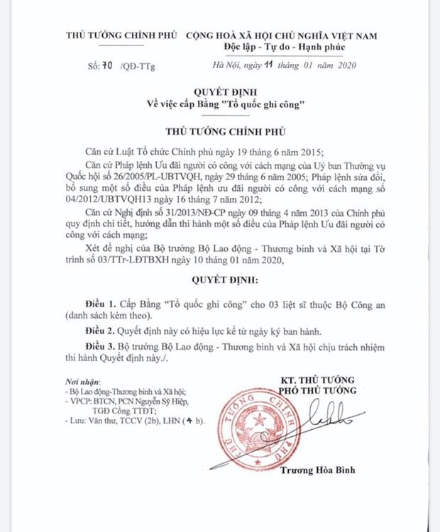 Affaire de Dong Tam : Des certificats de merite national decernes a trois policiers sacrifies hinh anh 1