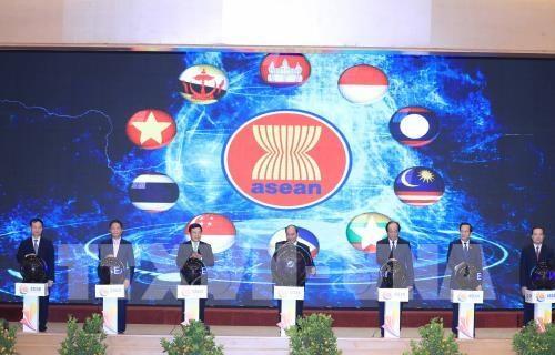 Des senateurs americains felicitent le Vietnam pour sa presidence de l'ASEAN hinh anh 1
