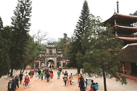 Se rendre a la pagode pour le Nouvel An, une belle tradition du Vietnam hinh anh 1