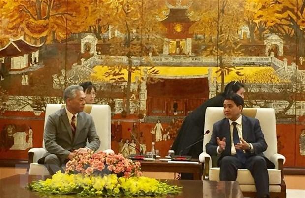 Hanoi promet de creer de meilleures conditions pour Uniqlo du Japon hinh anh 1