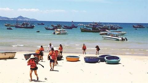 Binh Dinh cherche a dynamiser son tourisme affecte par l'epidemie de coronavirus hinh anh 1