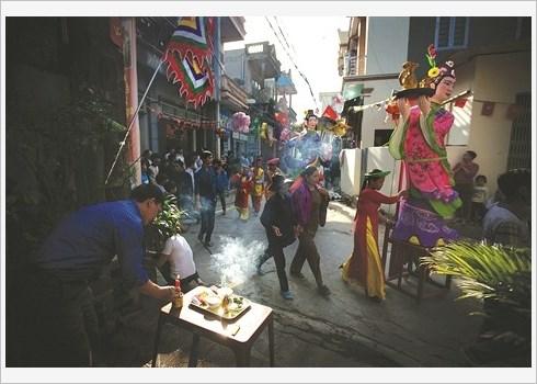 Effervescence de la fete Cau Ngu a Thanh Hoa hinh anh 1