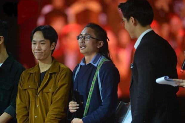 COVID-19: Des jeunes realisent une video pour diffuser des informations a l'ethnie H'mong hinh anh 1