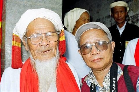 Nguyen Van Ku, le photographe passionne par la culture Cham hinh anh 1