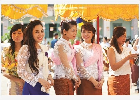 Revisite, l'habit traditionnel des Khmers du Sud fait recette hinh anh 1